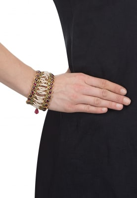 Gold Finish Pearls and Kempstones Bracelet
