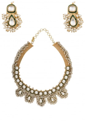 Gold Finish Kundan and Pearl Bunch Hasli Necklace Set