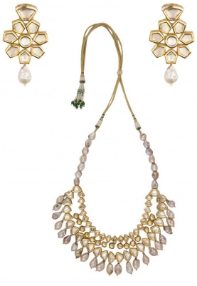 Gold Finish Kundan and Pearl Stones Necklace Set