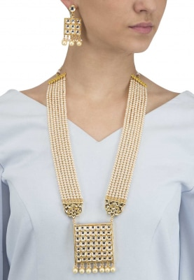 Gold Finish Kundan Square Pendant with White Bead Strings Necklace Set