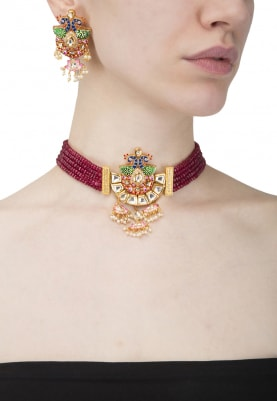 Gold Finish Kundan and Wine Beads Necklace Set