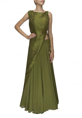 Green crop top with one side tie-up tassel jacket paired with flared umbrella skirt