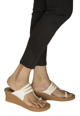 Tan, White and Gold Dori Work Kolhapuri Wedges